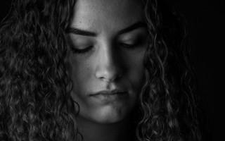 Что такое депрессивный синдром, симптомы и лечение отклонения