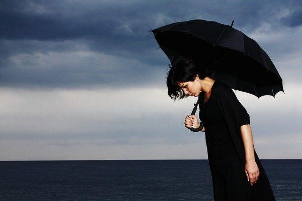 Какой врач выписывает антидепрессанты, к кому обращаться при необходимости?